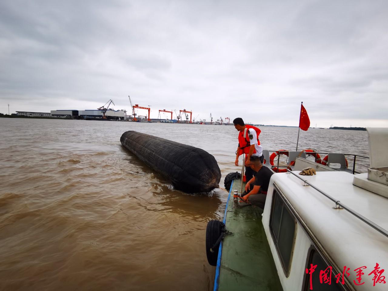 扬州海事快速反应成功处置碍航气