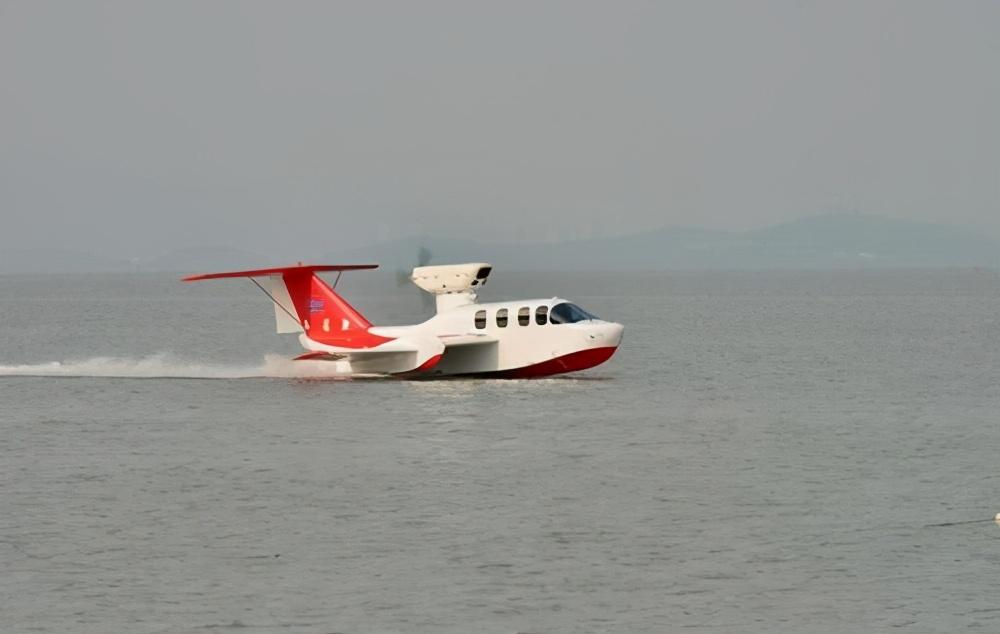 """""""会飞的船""""被中国研究出来了?直升机都做不到的事情,它做到了"""